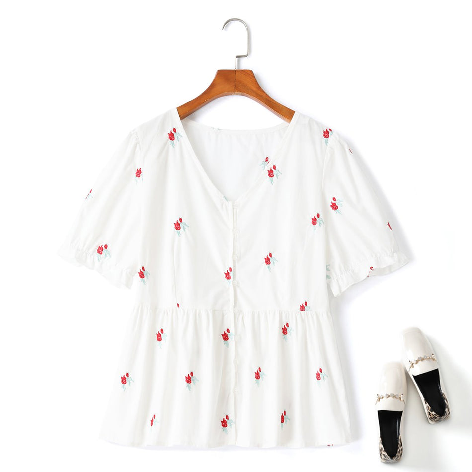 Plus size white floral embroidery top