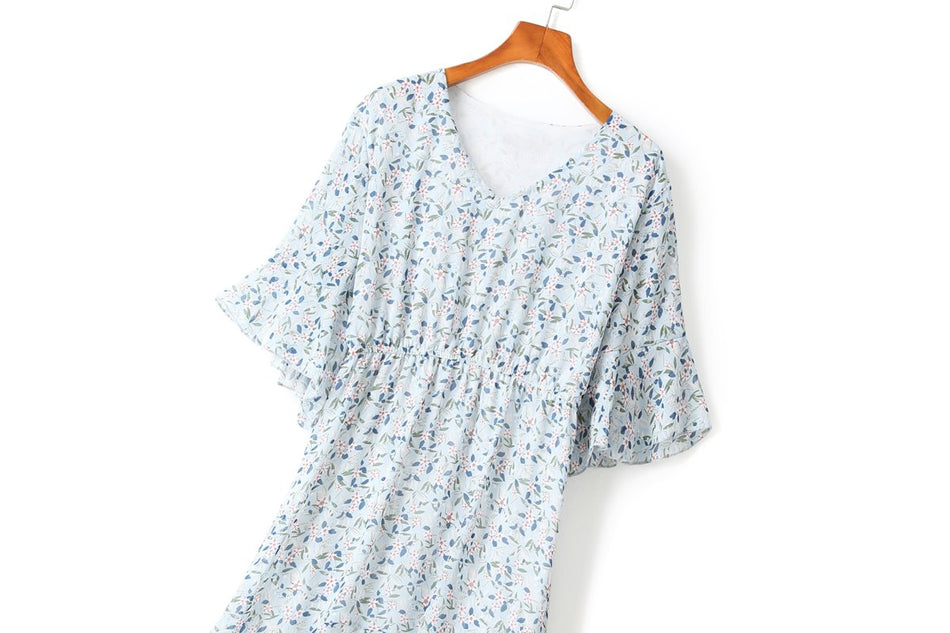 Yessenia Plus Size Blue Floral V Neck Bell Sleeve Short Sleeve Midi Dress