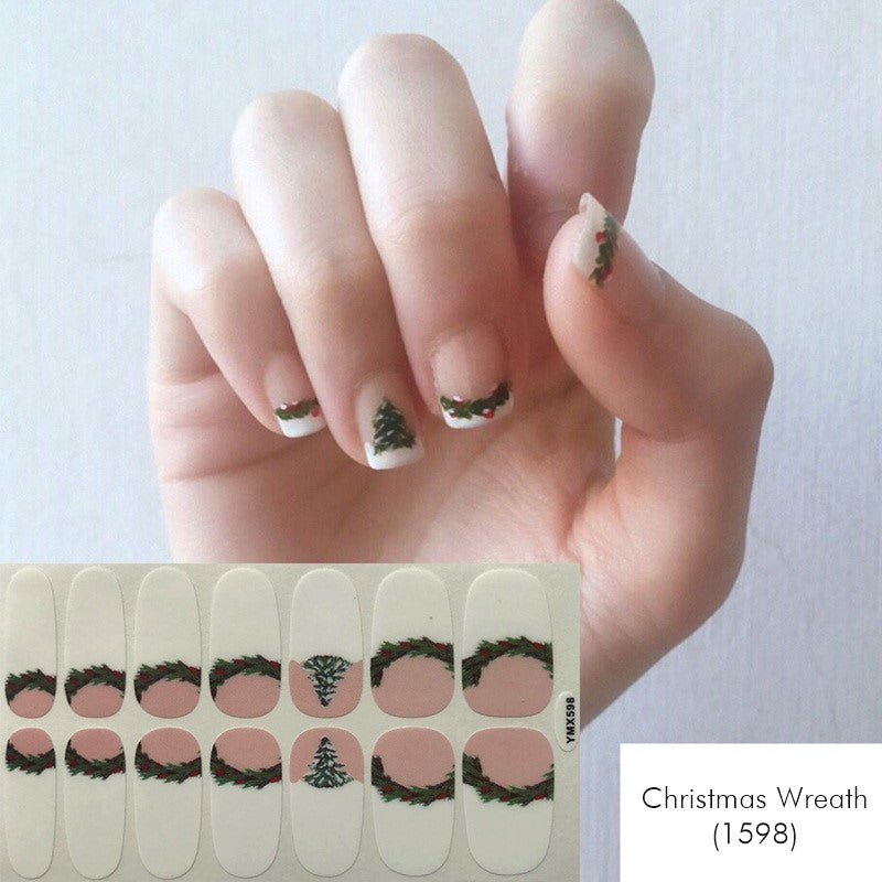 Christmas Wreath Nail Wrap