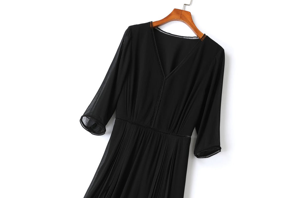 Gracelynne Plus Size Black Midi Dress
