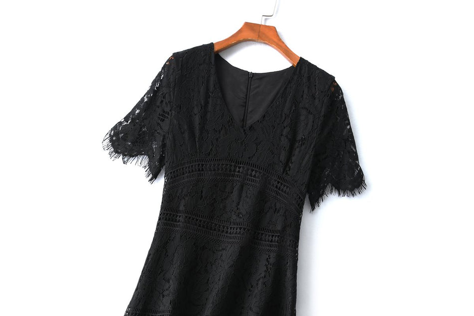 Quenna Plus Size Black Lace Formal Dress