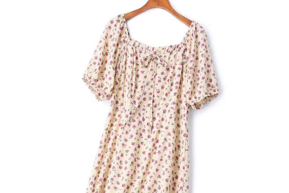 Carolina Plus Size Square Neck Floral Short Sleeve Dress