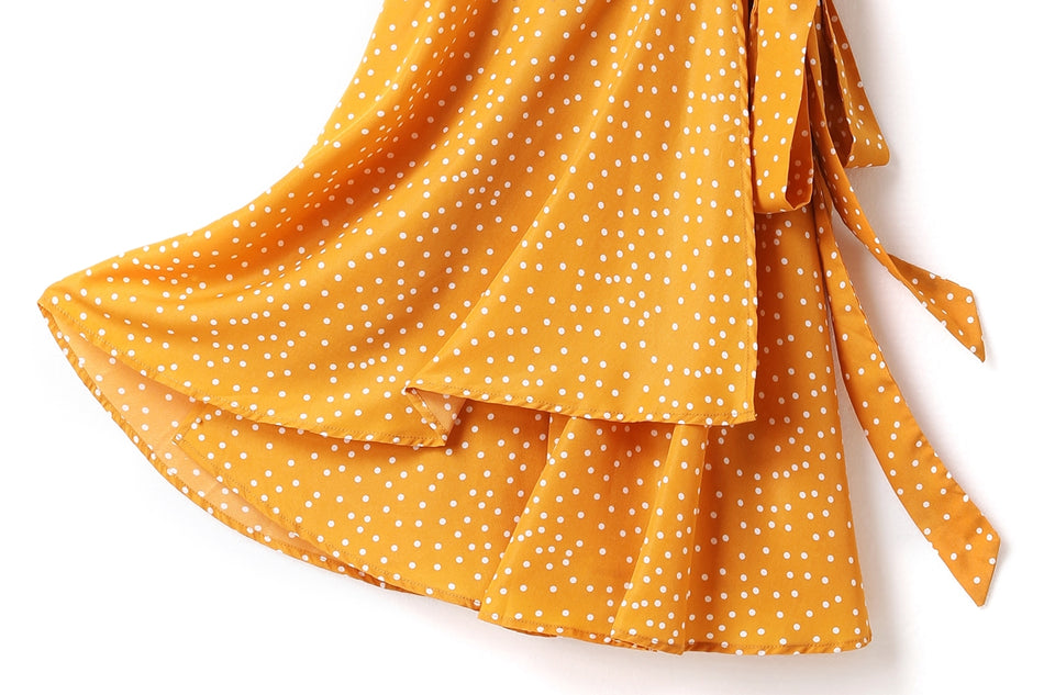 Isabella Plus Size Polka Dots V Neck Wrap Neckline Waist Tie Short Sleeve Dress (Yellow, Black, White)