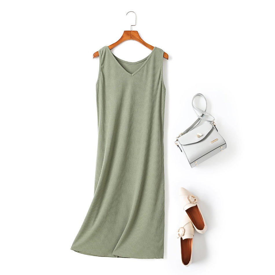 Nina Plus Size V Neck Tank Sleeveless Midi Dress (Green, Black)