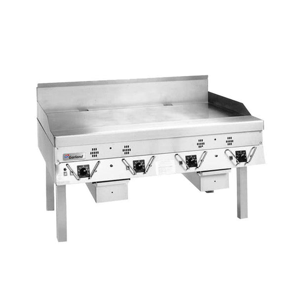 "Garland CG-60R-01 60"" Master Series Natural Gas Production / Liquid Propane Griddle with Thermostatic Controls"