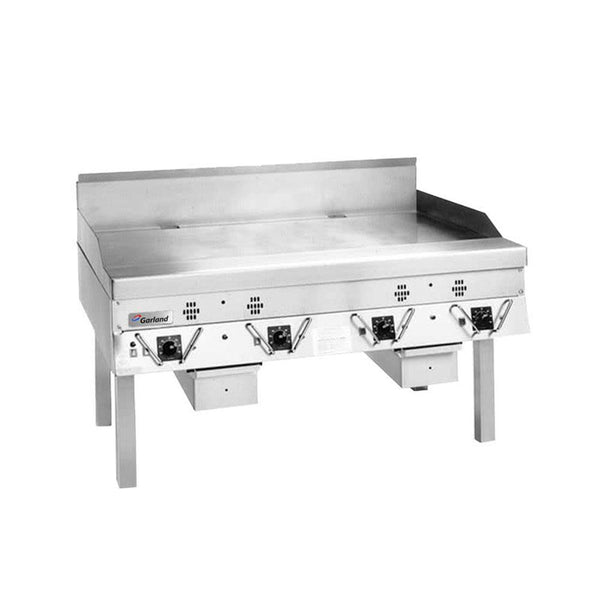 "Garland CG-72R-01 72"" Master Series Natural Gas / Liquid Propane Production Griddle with Thermostatic Controls"