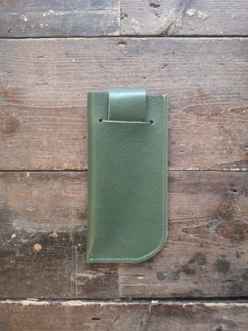 SUNGLASSES CASE in Fir green