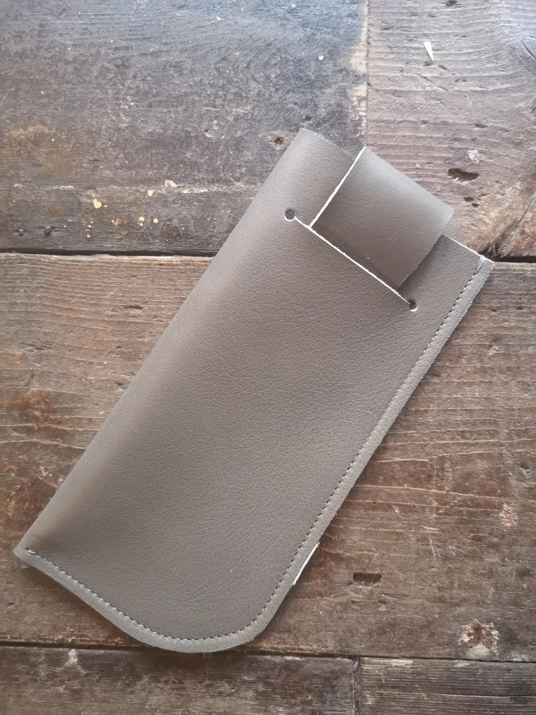 SUNGLASSES CASE in Grey