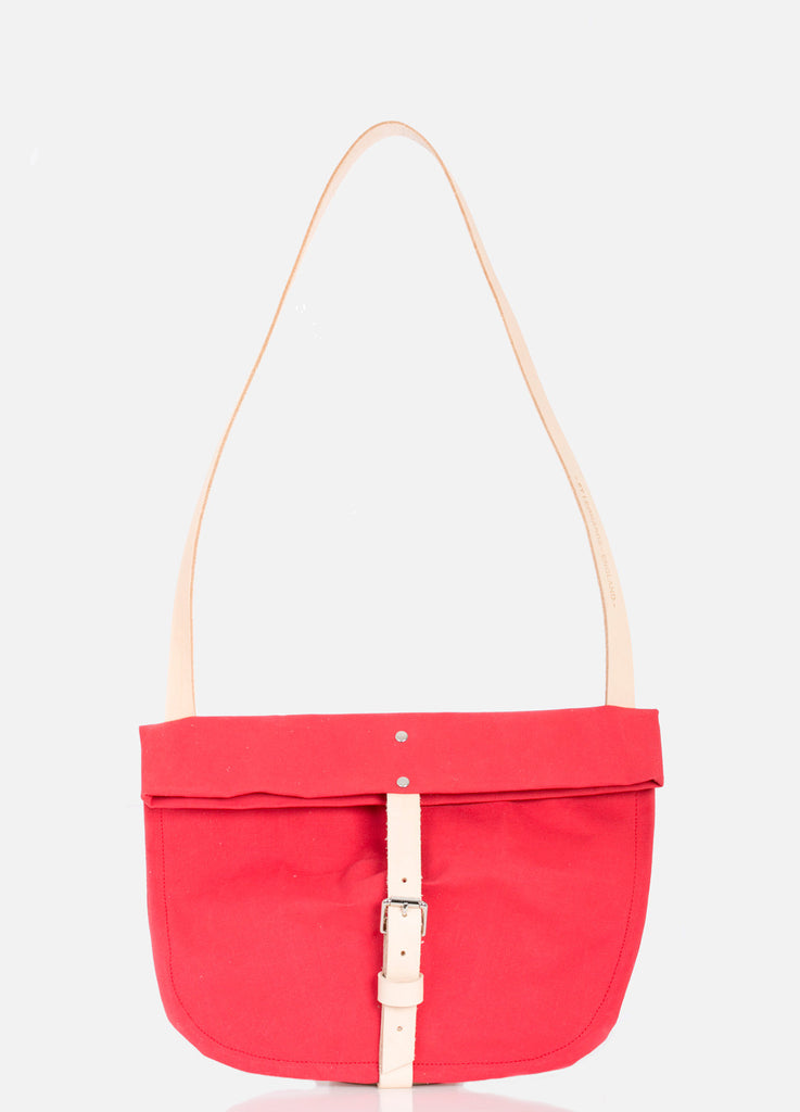 TOTELY BUCKLE SATCHEL in Strawberry