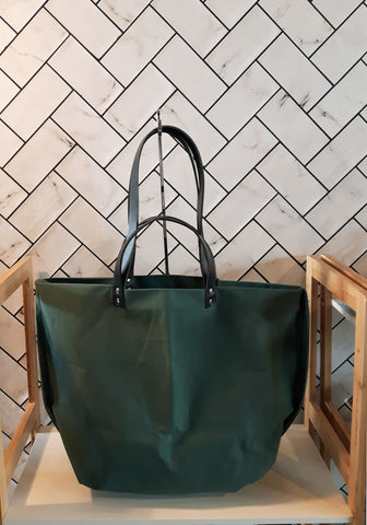 TOTELY BUCKET TOTE in Green Ola!