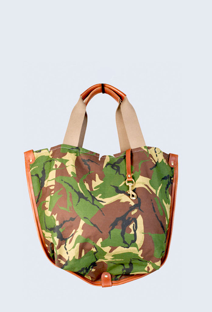 CAMOUFLAGE STANLEY HOLDALL in Amazon