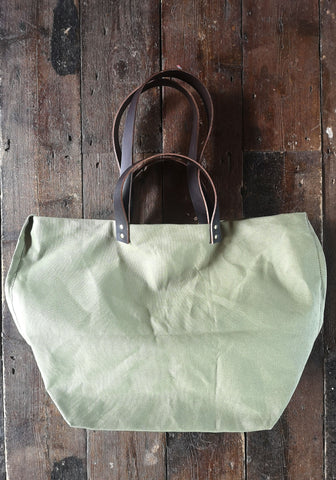TOTELY BUCKET - OLIVE