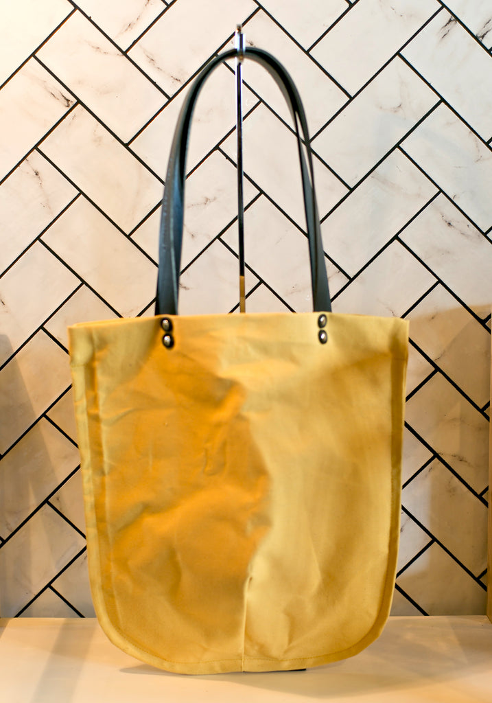 TOTELY SHOPPER in Machine Washed Canary