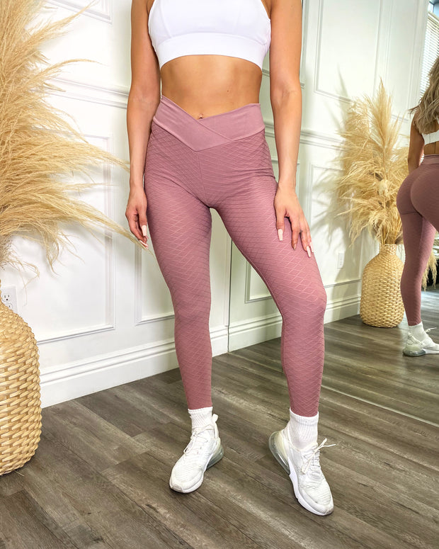 Bella Scrunch Leggings (Pastel Pink)
