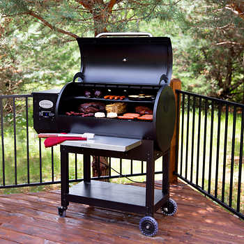 Louisiana Grills LG900 Pellet Grill with Flame Broiler
