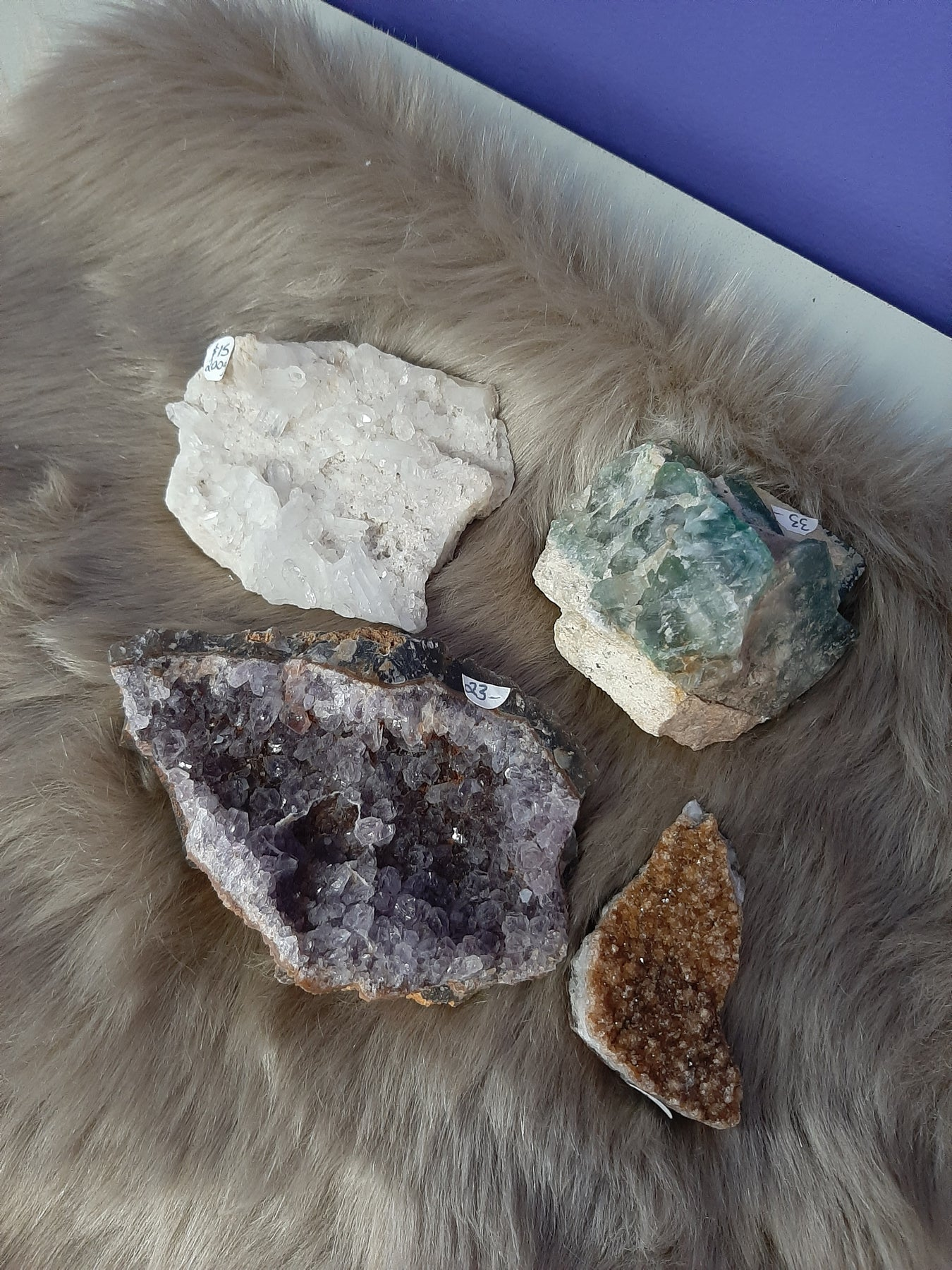Clusters have many points, large or small. They radiate energy out to the environment surrounding where it is placed. It can be used to cleanse a room or other crystals. Place crystals on the cluster and leave them overnight to be cleansed.
