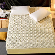 Load image into Gallery viewer, Quilted Mattress Cover Solid Color King Queen Size Quilted Bed Fitted Sheet Thicken Soft Bed Protector Pad Cover Hot Sale