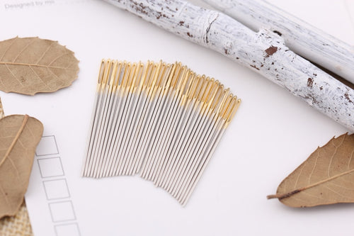 100 Pcs / lot Golden Tail Fabric Embroidery Cross Stitch Needles Size 24 For Stitch Canvas Sewing Kit