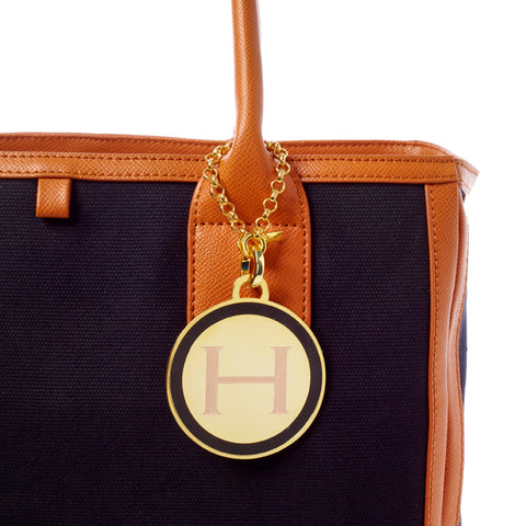 Classic Medallion Tag in Black