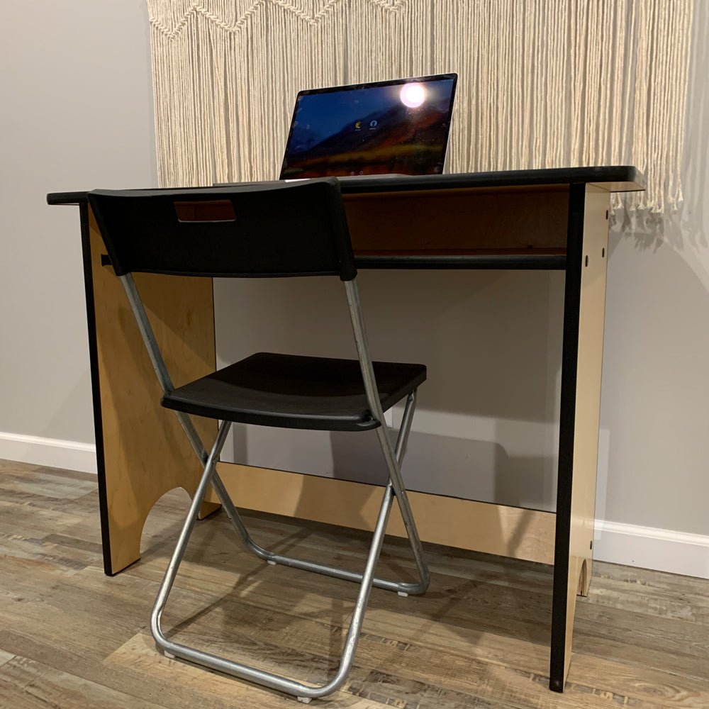 YOUTH / ADULT DESK