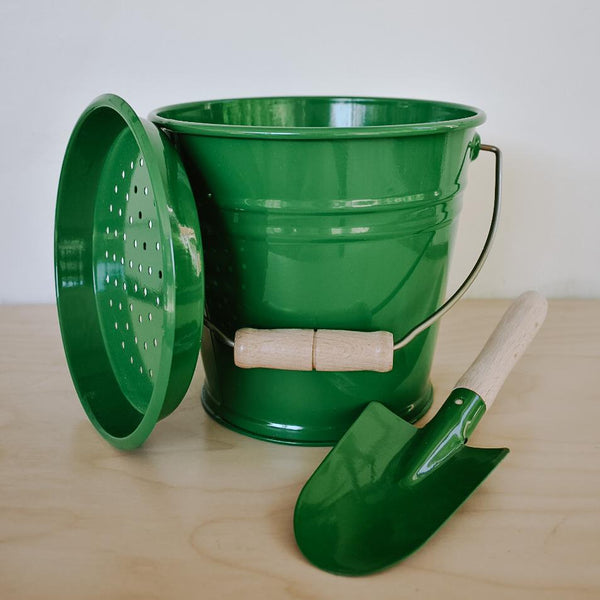 Green Bucket Set Outdoor Toys Redecker