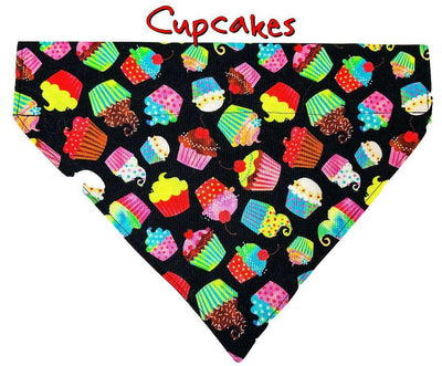 Cupcakes Dog Bandana, Over the Collar dog bandana, Dog collar bandana, puppy - Furrypetbeds