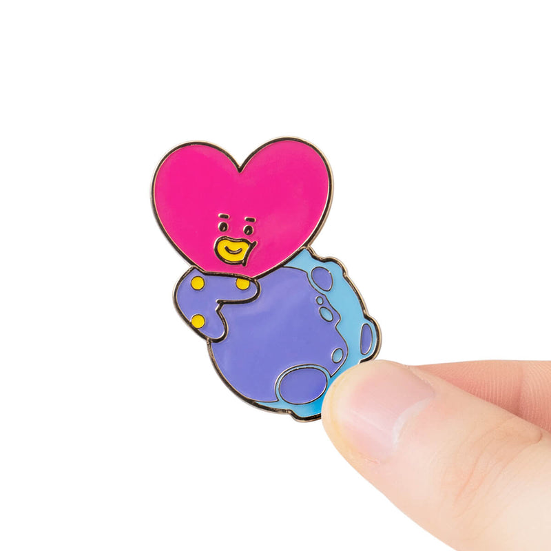 BT21 TATA SPACE WAPPEN Enamel Pin Set, 2pcs