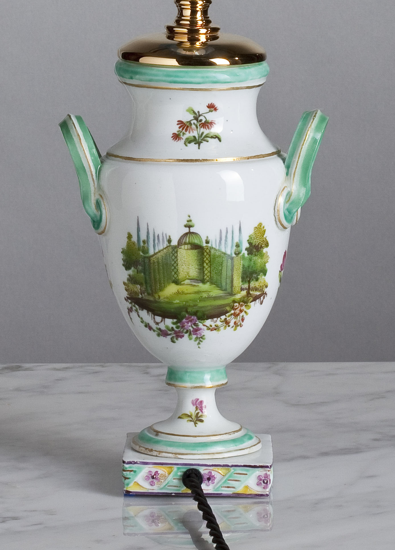 E074  A Very Sweet Little 19th Century French Porcelain Accent Lamp - Circa 1840