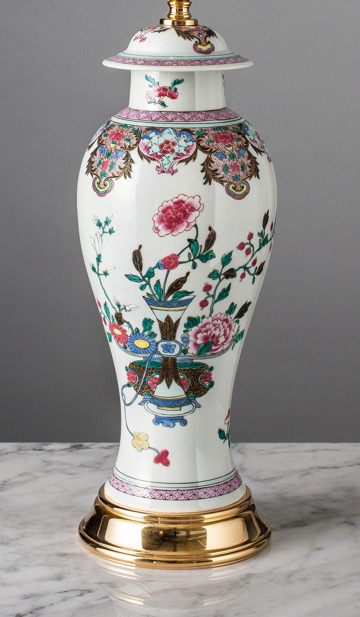 E084  A Large 19th Century Chinese Famille Rose Lamp Of Fine Quality - Circa 1860