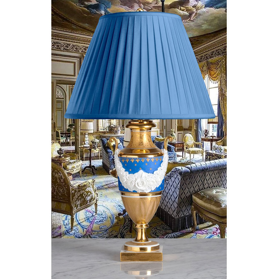 F043  An Ultra Smart French Porcelaine de Paris Lamp of Superb Quality - Circa 1830