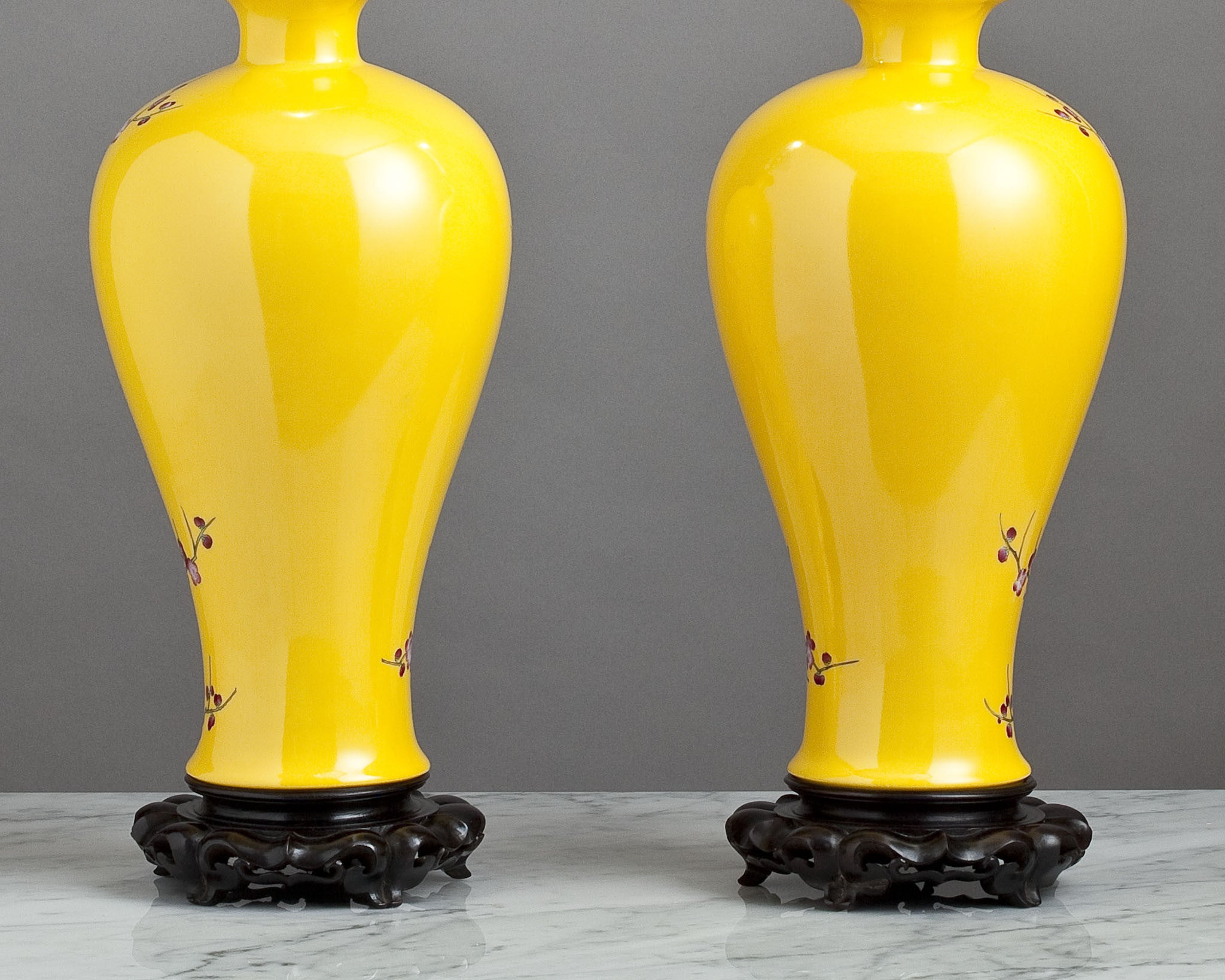 F082  A Decorative Pair of Contemporary Chinese Yellow Lamps In Mei Ping Shape