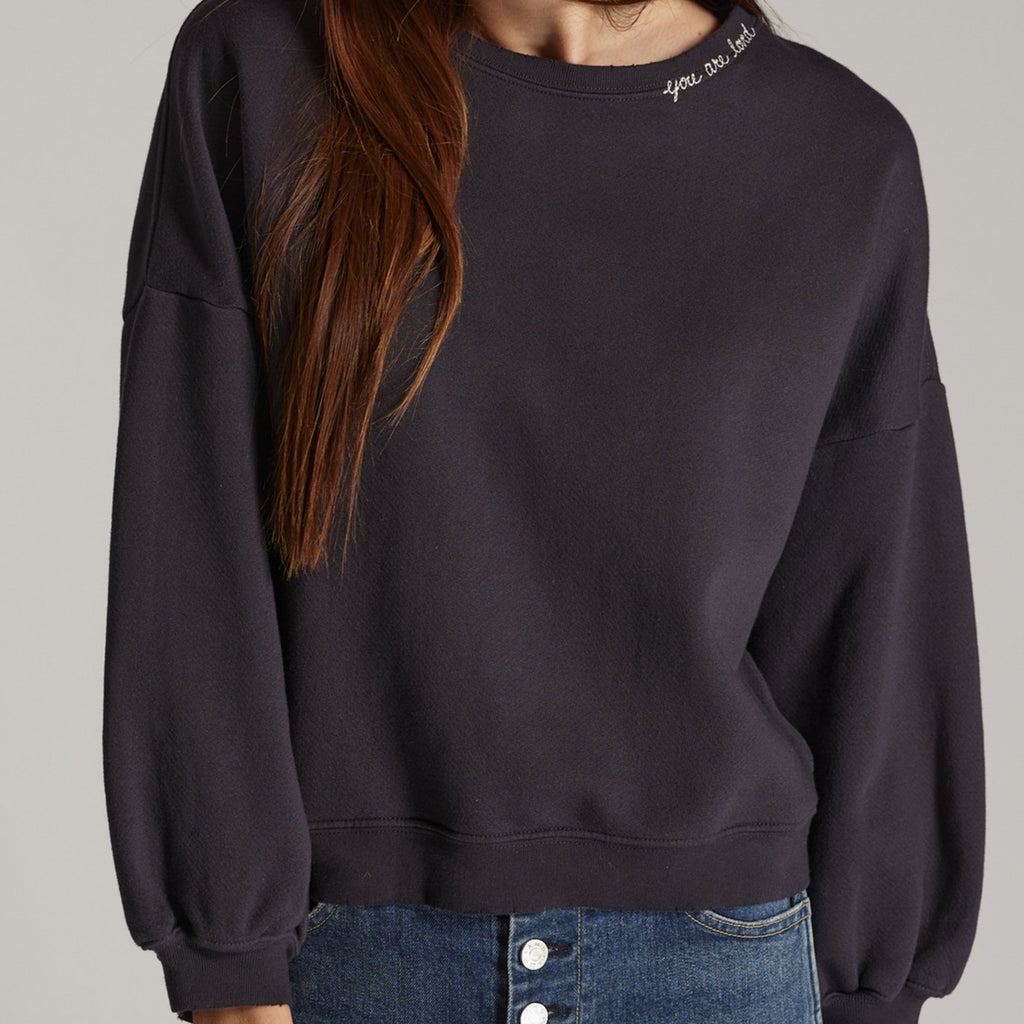 Easy Sweatshirt w/ Embroidery
