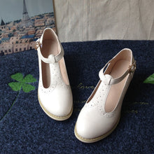 Load image into Gallery viewer, Retro Lily Oxford Shoes - Wildly Untamed