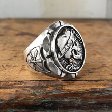 Load image into Gallery viewer, Rocko Skull Ring