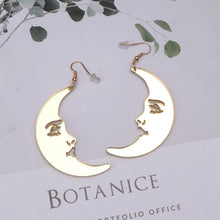 Load image into Gallery viewer, Golden Face Moon Earrings