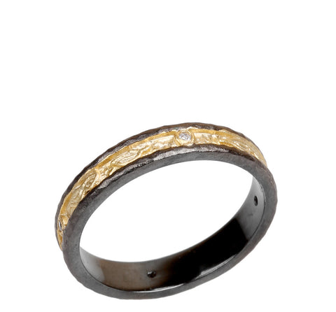 ModernTextured Band Ring. Vintage Vibes Mixed with Gilded Allure.