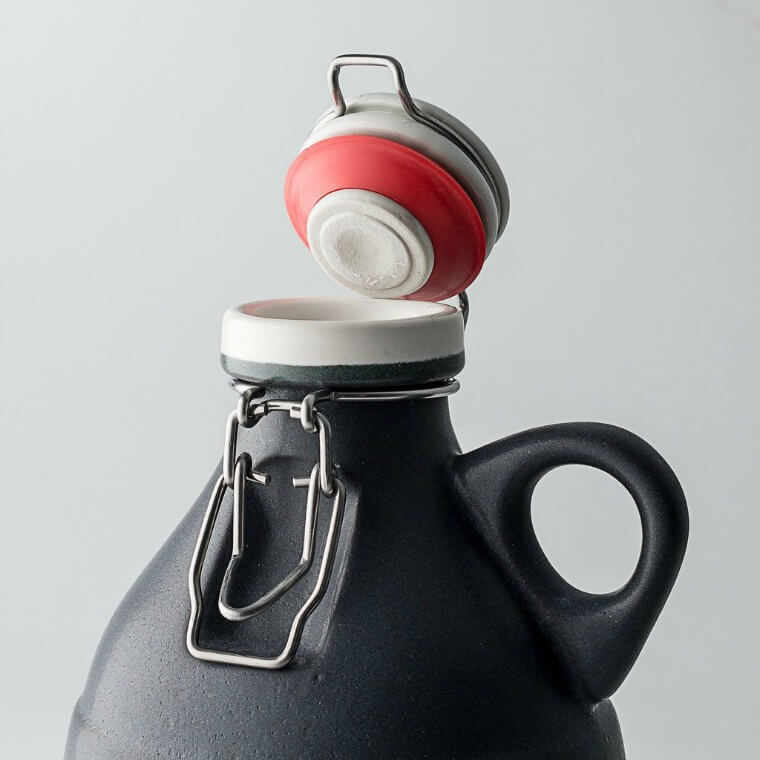 Matt Black 32oz Ceramic Growler