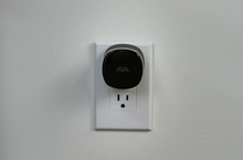Load image into Gallery viewer, The Bee for Queens University Partners – Mesh Wi-Fi node, adds up to 500 sq. ft.