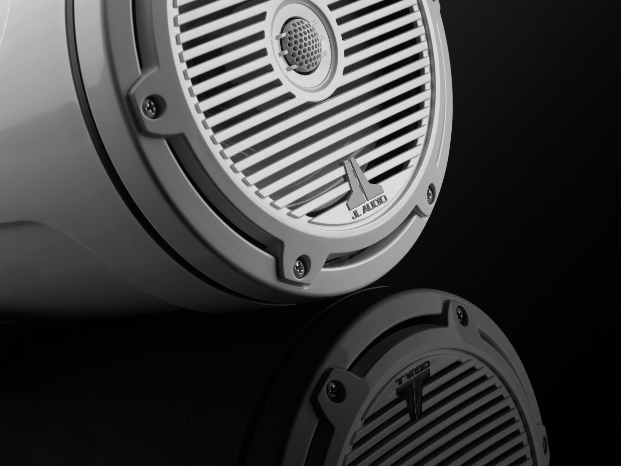 Detail of M3-770ETXv3-Gw-C-Gw Enclosed Speaker