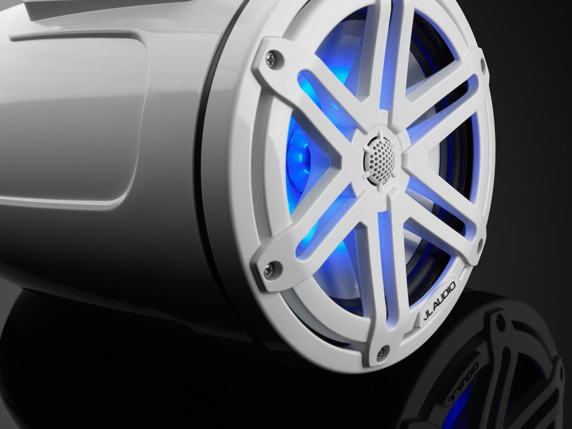 Detail of M3-770ETXv3-Gw-S-Gw-i Enclosed Speaker Lit with Blue