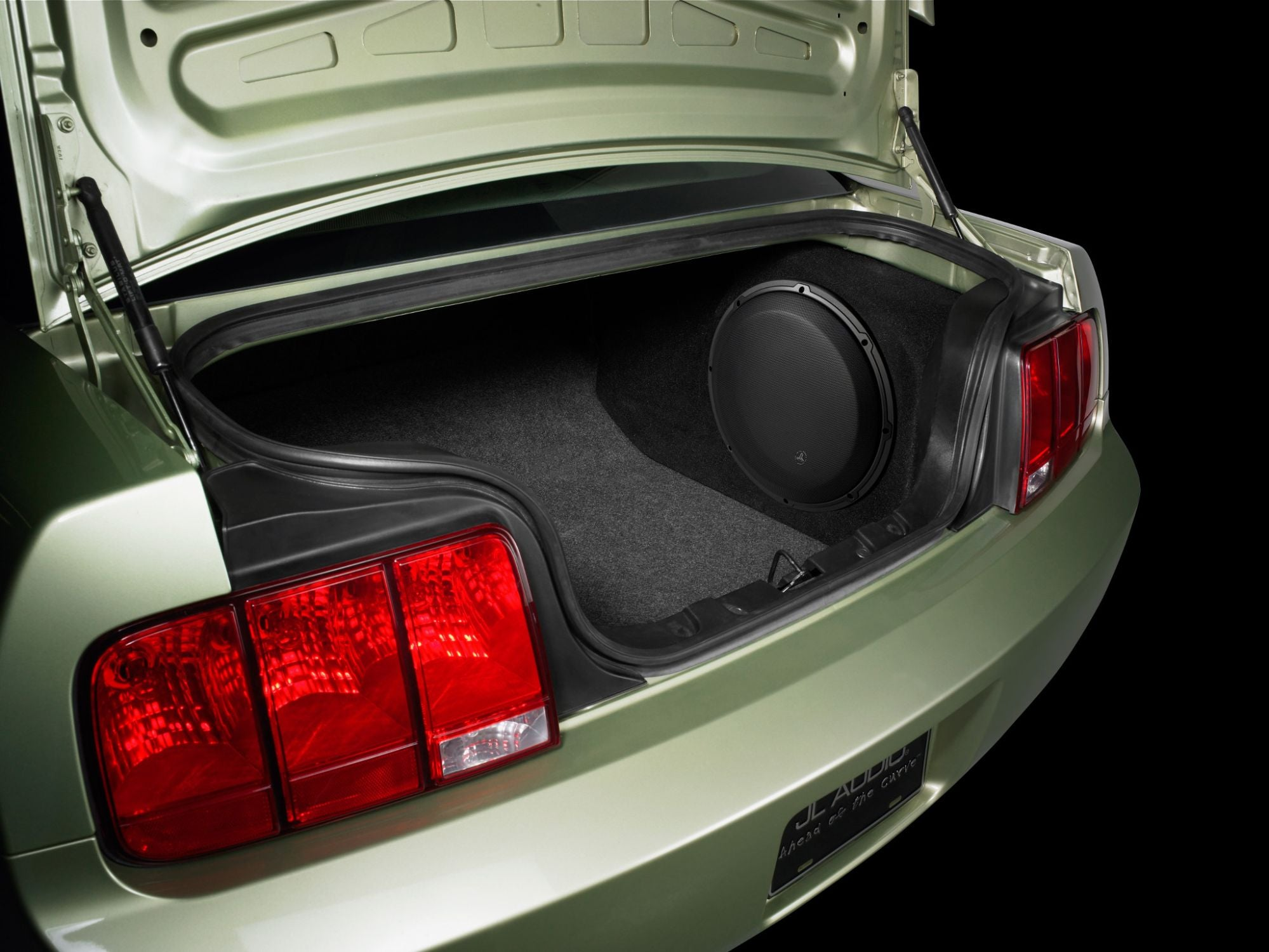 SB-F-MUCUPE-13W3v3 Stealthbox Installed in Vehicle