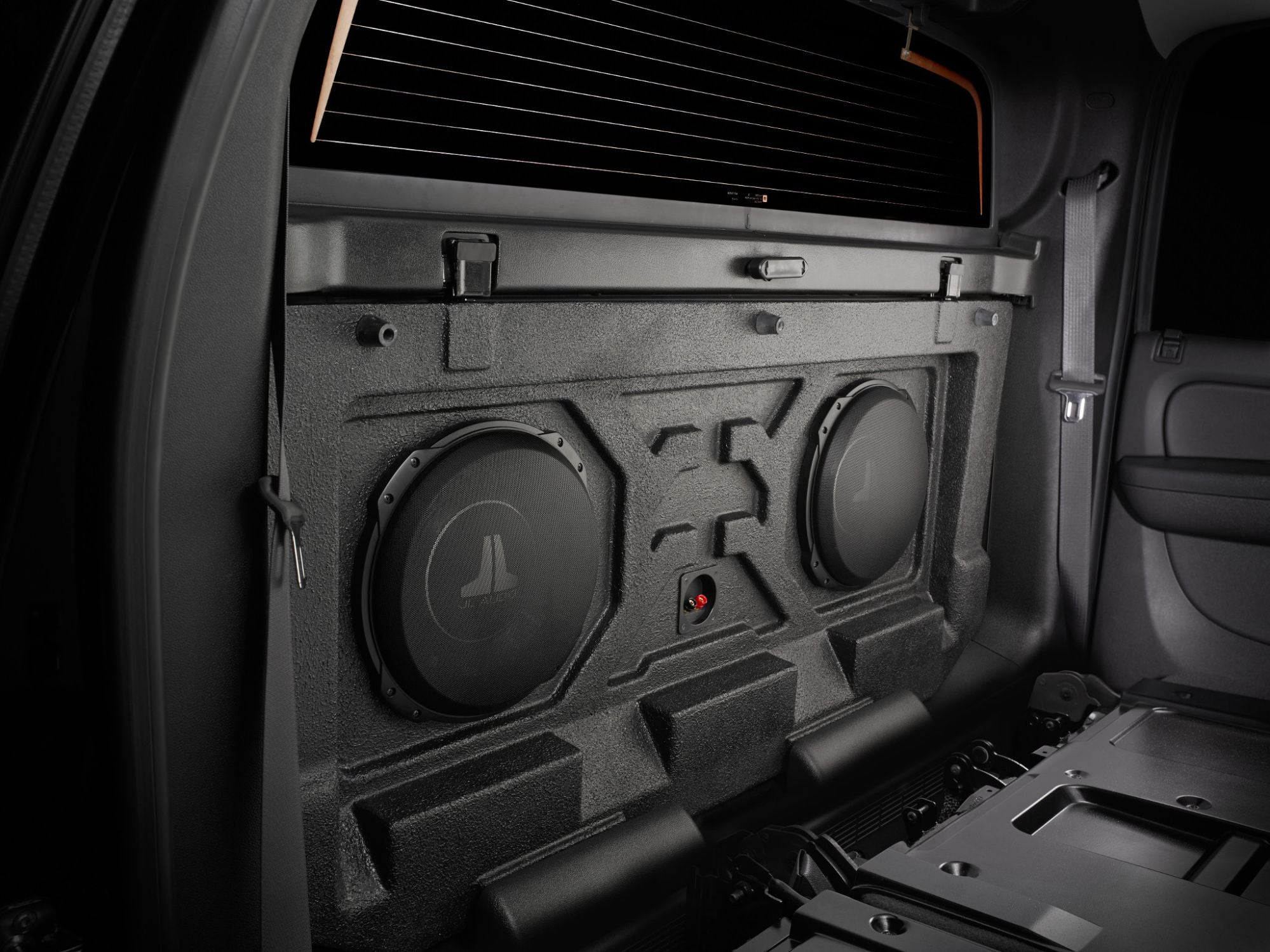 SB-GM-AVAL-12TW3 Stealthbox Installed in Vehicle