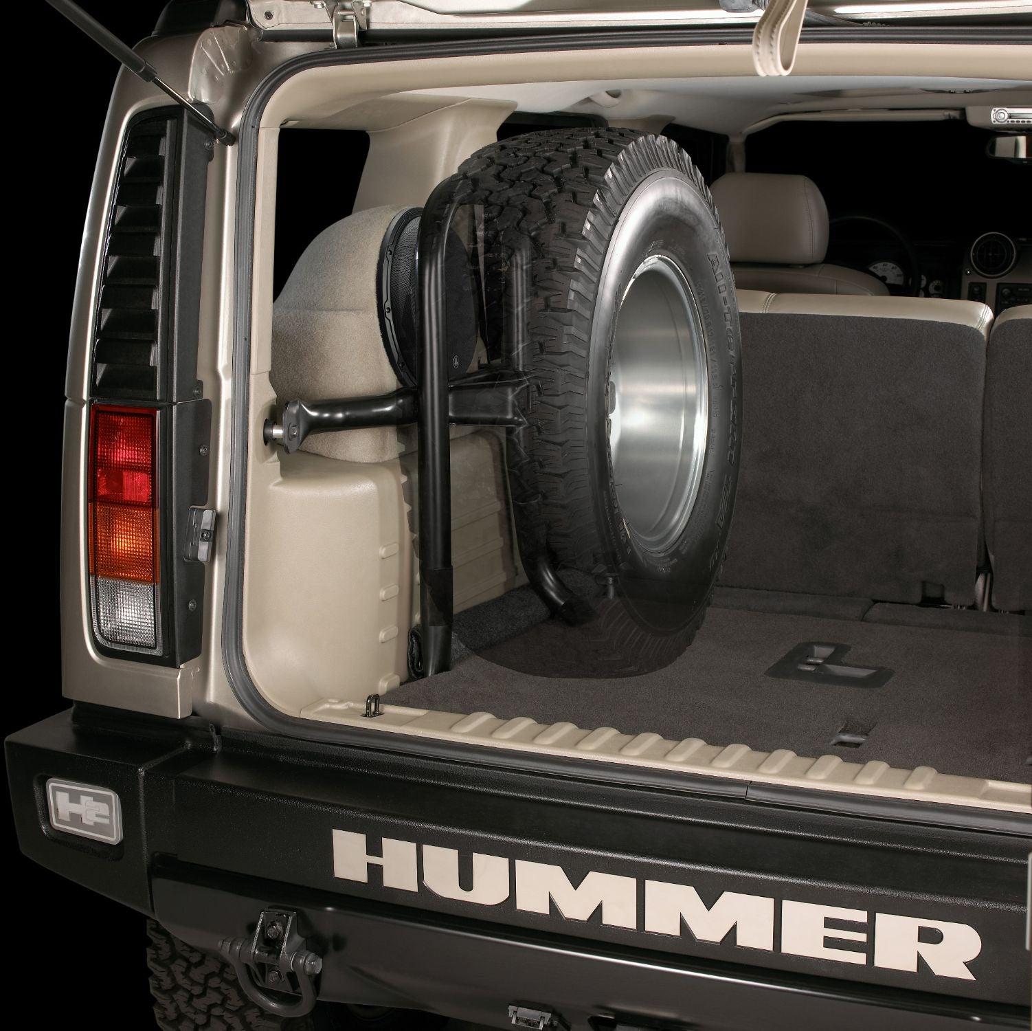 SB-GM-HUMRH2-12W6v3 Stealthbox Installed in Vehicle