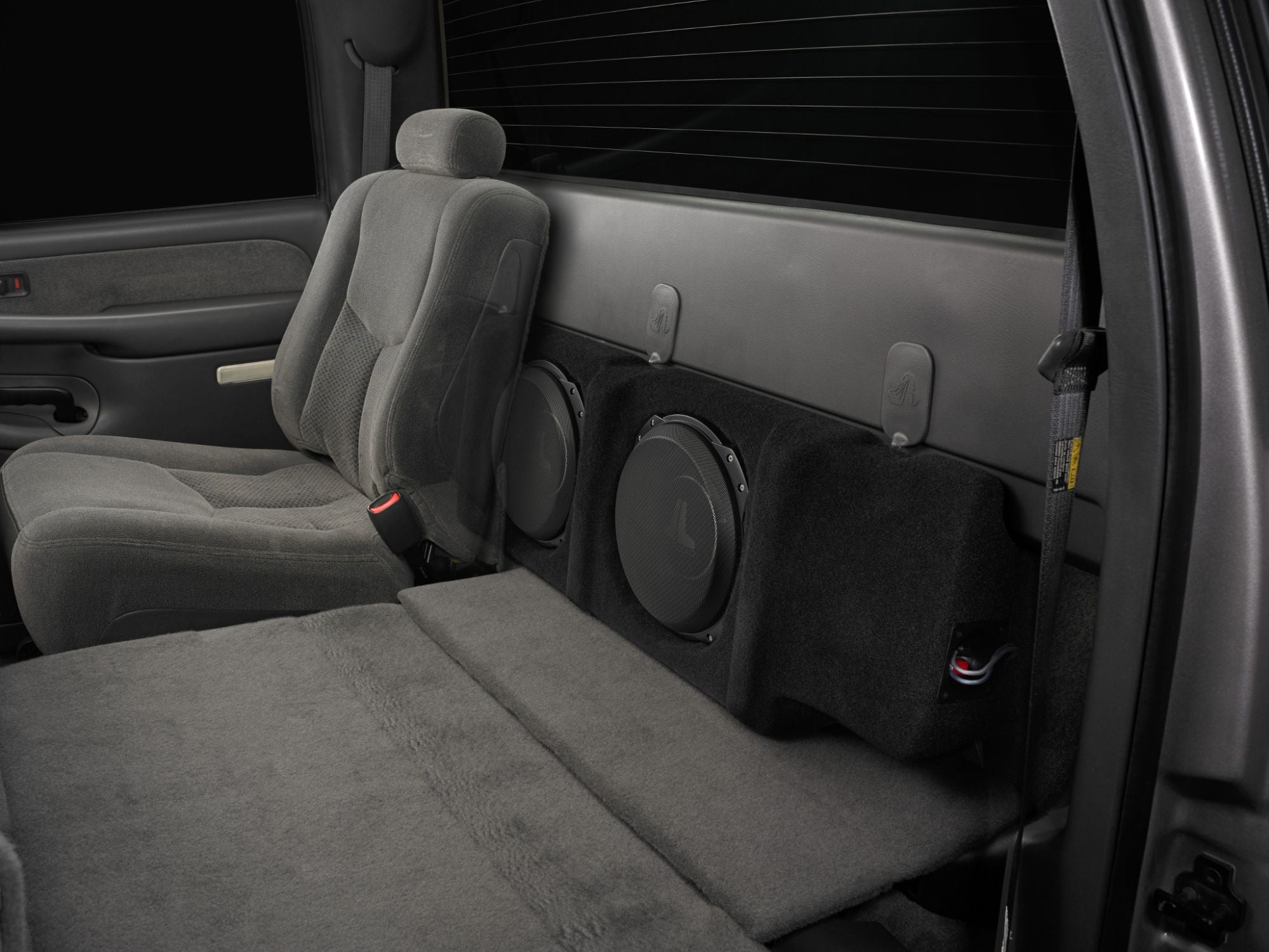 SB-GM-SLVCRW-10TW3 Stealthbox Installed in Vehicle