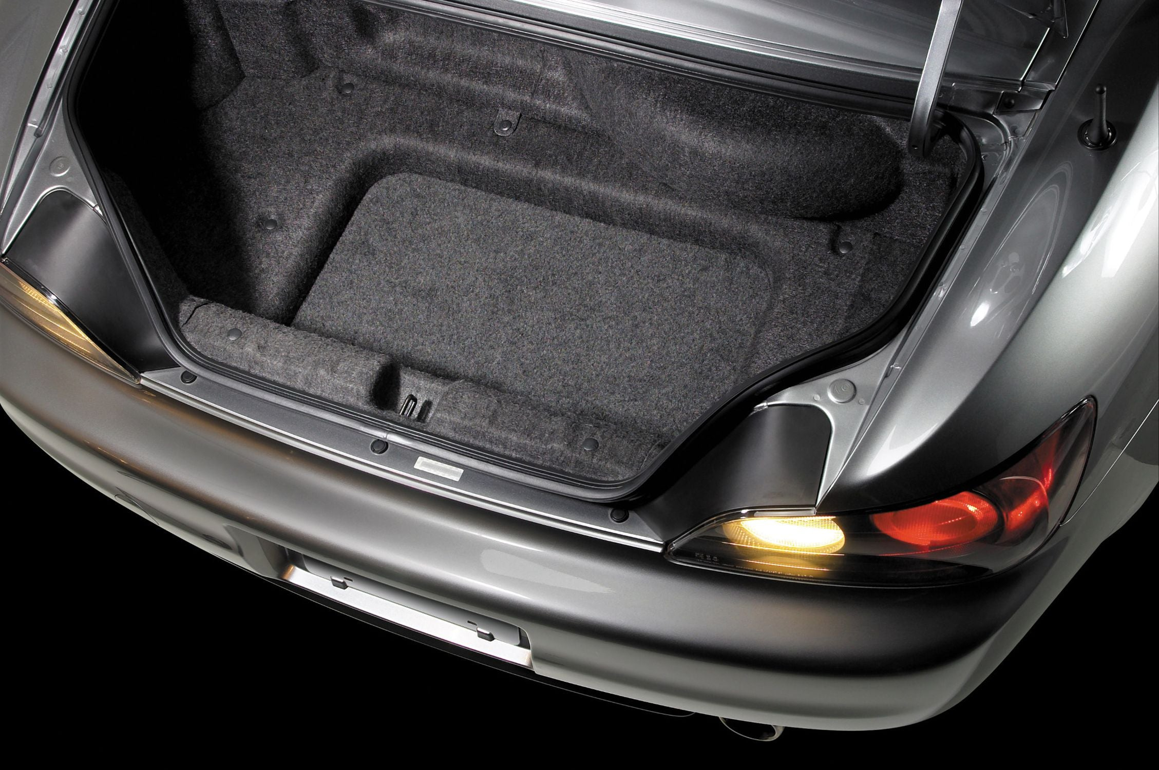 SB-H-S2000-10W3v3 Stealthbox Installed in Vehicle