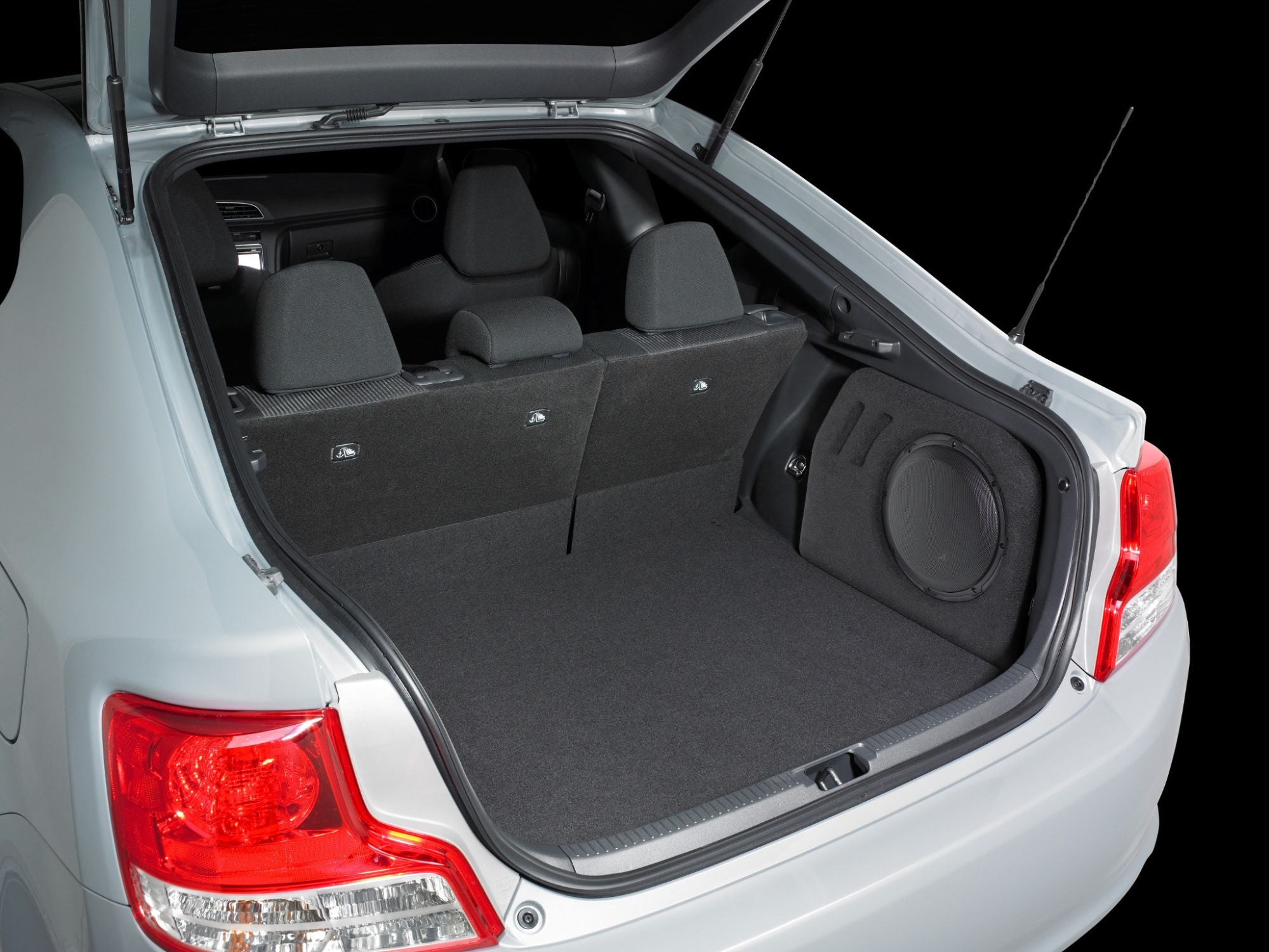 SB-SC-TCG2-10W3v3 Stealthbox Installed in Vehicle