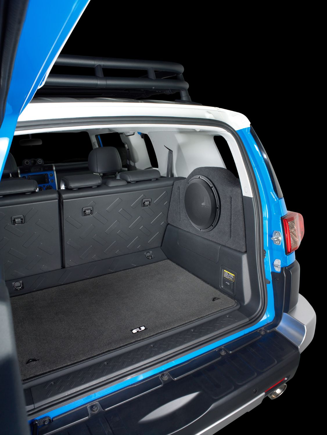 SB-T-FJ-12W1v3 Stealthbox Installed in Vehicle