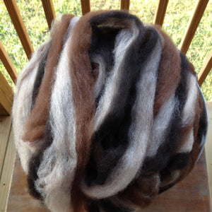 Tri-color alpaca roving