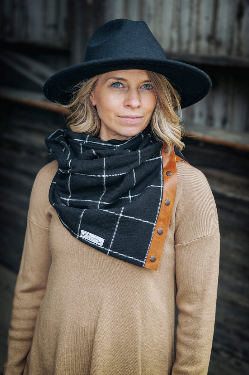 Black & White Window Pane Multi Snap Scarf with Leather Snaps