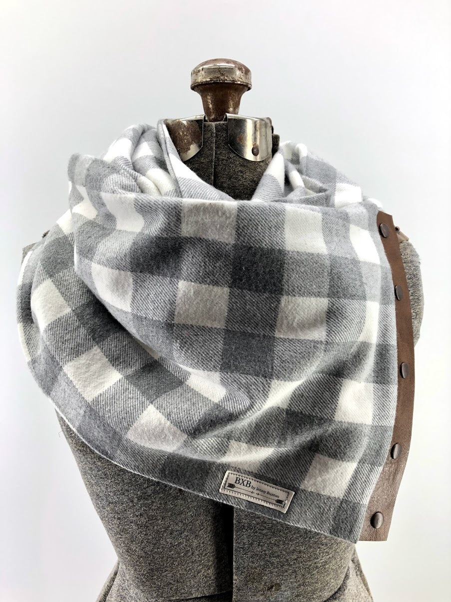 Grey & Cream Buffalo Check Multi Snap Scarf with Leather Snaps